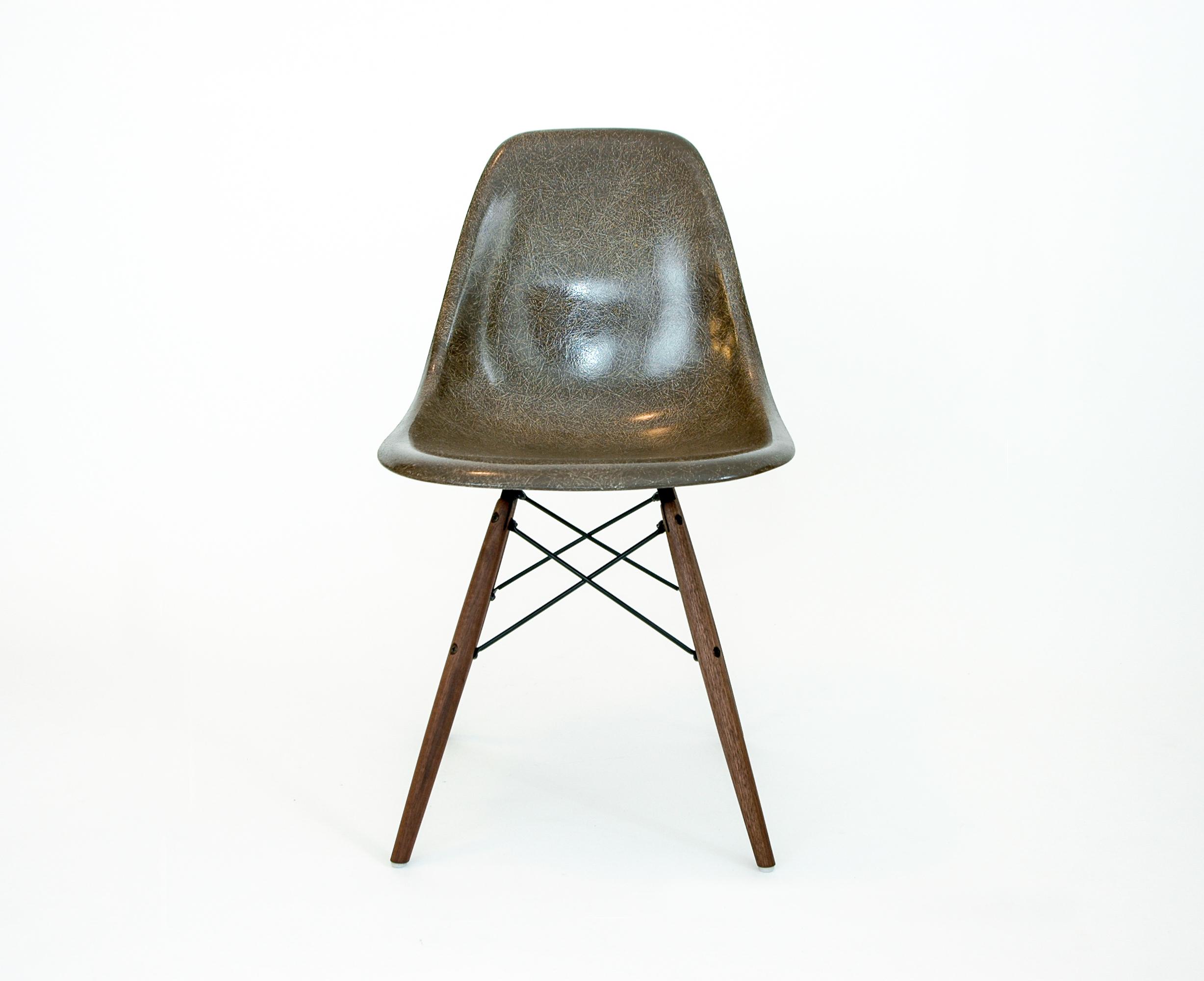 Eames Herman Miller Molded Fiberglass Chair